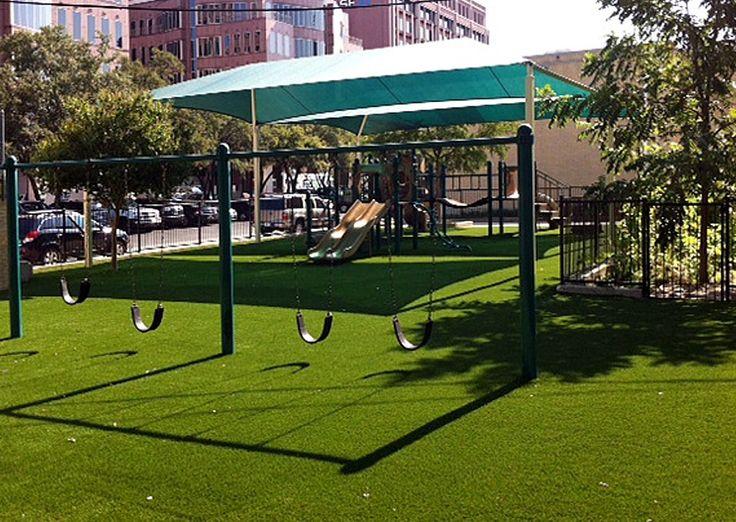 Installing Landscaping Artificial Grass For Backyard
