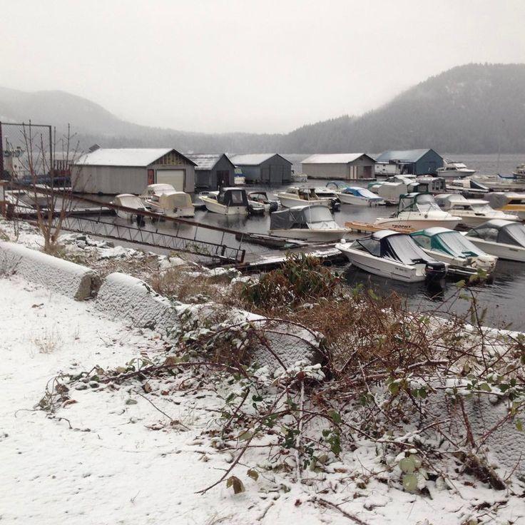 The #Shinglemill Marina on a snowy day http://bit.ly/2h6aLTC