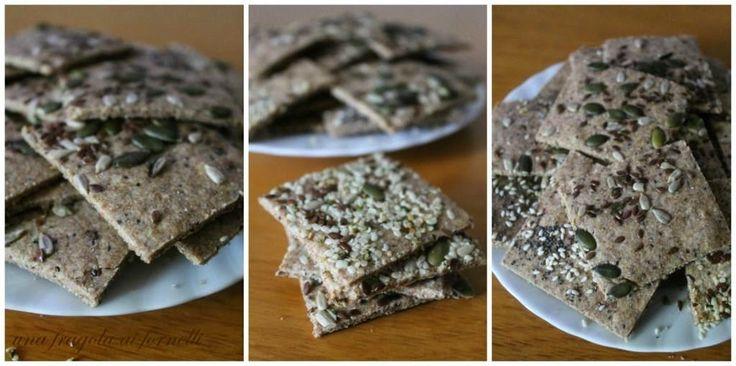 Una Fragola ai Fornelli: Crackers di segale e avena (senza lievito)
