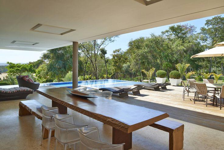Lazer, Casa Amendoeiras. : Piscinas modernas por Beth Marquez Interiores