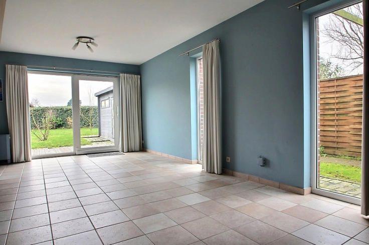 Te koop - Huis 5 slaapkamer(s)  - bewoonbare oppervlakte: 150 m2   - bouwjaar: 2002-01-01 00:00:00.0 1 bad(en) -   3 gevel(s) -   - oppervlakte terras: 20 m2