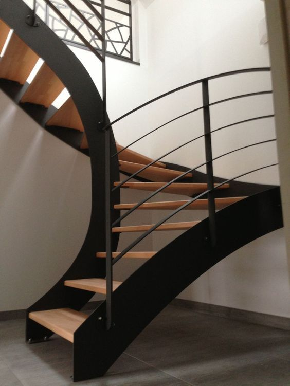 17 best ideas about wood stair railings on pinterest for Garde corps interieur escalier