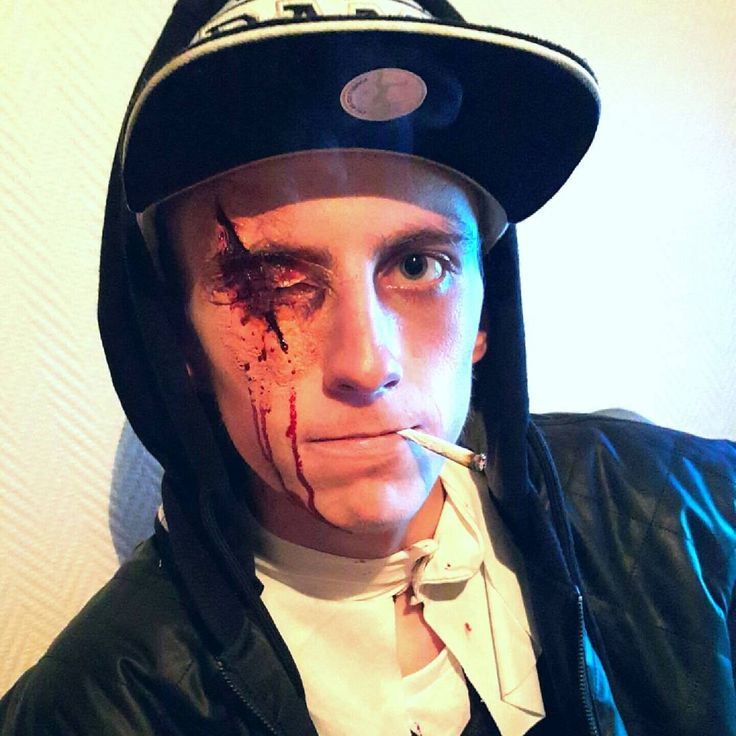 #todayswork #halloween #halloweeninspo #makeupartist #sfx #sfxmakeup #blood #bloody #scar #fakescar #makeupinspo #visagemakeupstore #selftaught
