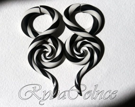 Fake ear gauge Faux gauge/Gauge earrings/spiral por RybaColnce