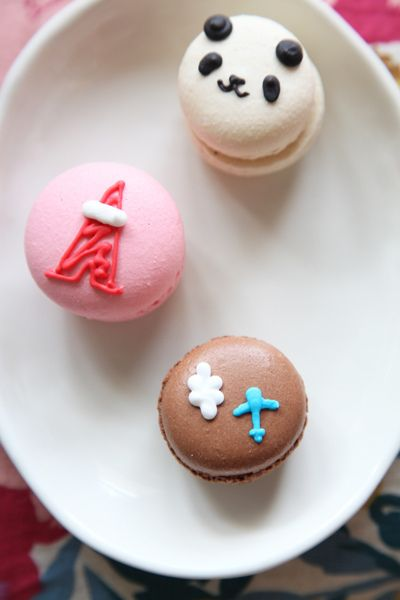 Macaron - I really need to try some. Does it taste good? Looks delicous