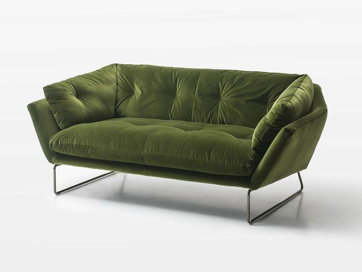 Divano imbottito in tessuto a 2 posti Collezione New York Suite by Saba Italia | design Sergio Bicego