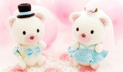 Медвежья свадьба. Жених и невеста амигуруми - описание вязания крючком игрушек, медвежат. Не хотите пополнить коллекцию игрушек парочкой медвежат?
