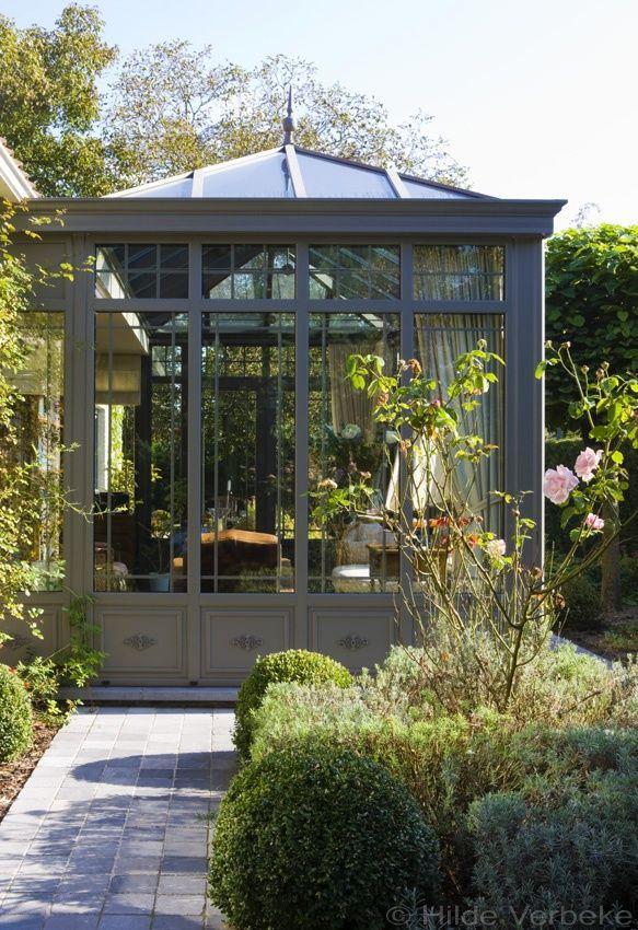 Droom oranjerie naast siervijver met zicht op rozentuin, veranda bouwen in aluminium   De Mooiste Veranda's
