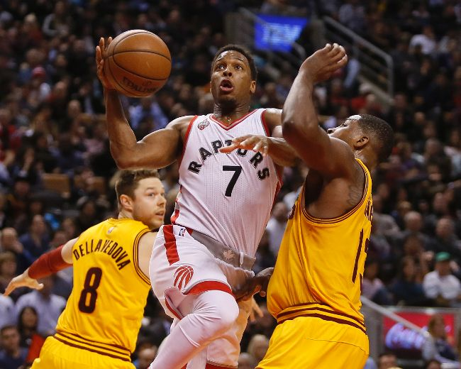 Kyle Lowry scores career-high 43 points to lift Raptors over Cavaliers