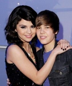 Justin Bieber and Selena Gomez- (Game)