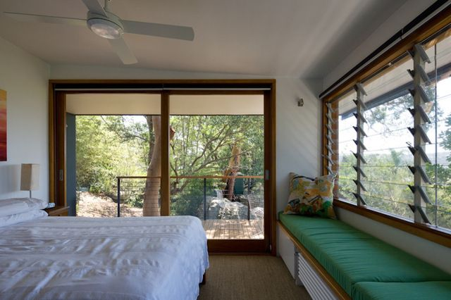 horizontal cables instead of wood ballisters on the deck railing let you see the view right through them--i want that!!