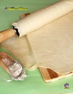 La pasta fillo fatta in casa, ricetta base Marge La pasta fillo è un vero e proprio impasto di acqua e farina, composto di tanti strati di sfoglie
