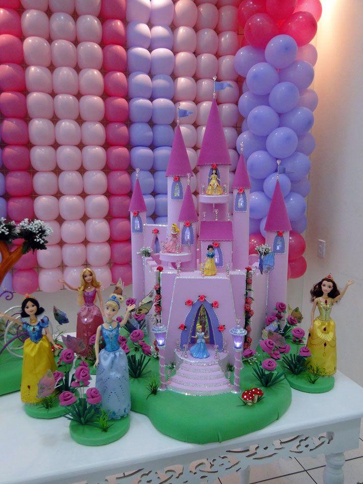 Castelo das Princesas Disney. Confeccionado em isopor e e.v.a. com iluminação de led.