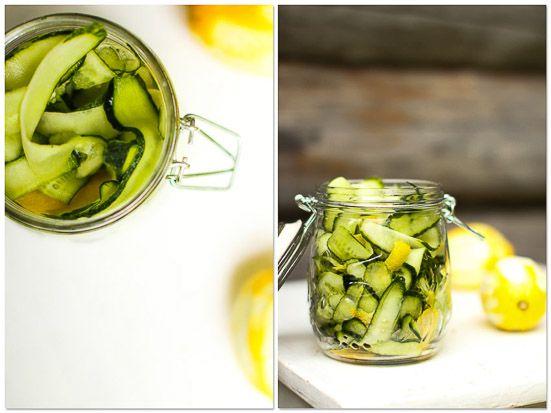 Lemon & vinegar cucumbers. http://www.jotainmaukasta.fi/2013/08/22/purkkiruokaa/