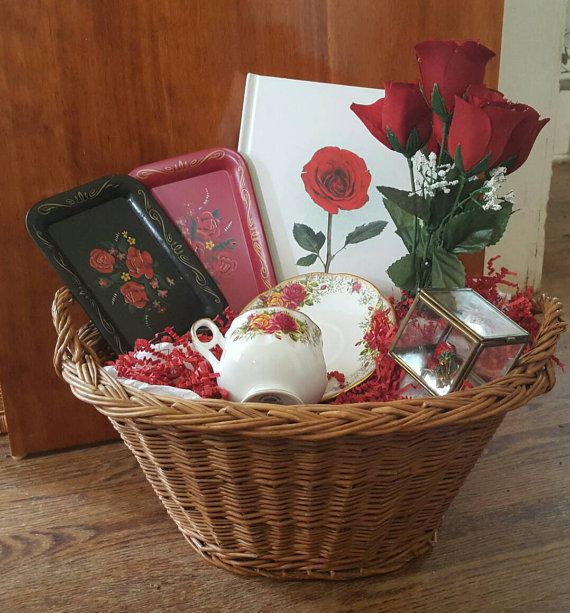 Hey, I found this really awesome Etsy listing at https://www.etsy.com/listing/294794533/vintage-gift-basket-for-her-featuring