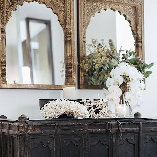 Резьба по дереву (83 фото): фотографии, рисунки, эскизы http://happymodern.ru/rezba-po-derevu-66-foto-fotografii-risunki-eskizy/ Красивые антиквариатные зеркала с резными рамками Смотри больше http://happymodern.ru/rezba-po-derevu-66-foto-fotografii-risunki-eskizy/