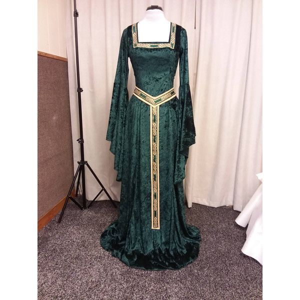 Celtic dress, medieval dress, elven dress, skyrim costume, renaissance... ($196) ❤ liked on Polyvore featuring costumes, gothic fairy costume, christmas elf costume, santa's helper costume, celtic costumes and elf halloween costume