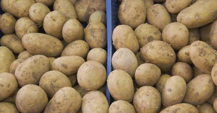 The Risks of Eating Raw Potatoes | LIVESTRONG.COM