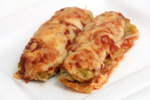 Dr. Oz's Lean Bean Enchiladas Supreme: This bean enchilada recipe that contains almost 300 fewer calories than the traditional dish. The secret comes in ditching fattening wraps in favor of cabbage leaves. As an added bonus, enjoy the low-calorie count and cancer-killing compounds contained in cabbage leaves.