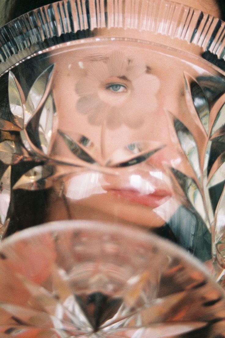Se Sofia Coppola avesse ambientato 'Il giardino delle vergini suicide' nell'Europa dell'Est probabilmente avrebbe trovato ispirazione nelle immagini di Lukasz Wierzbowski.