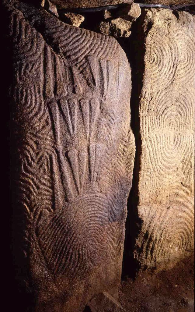 Gavrinis Gairn:  The Megalithic Portal and Megalith Map: the bottom of the right hand looks like a finger print whorl