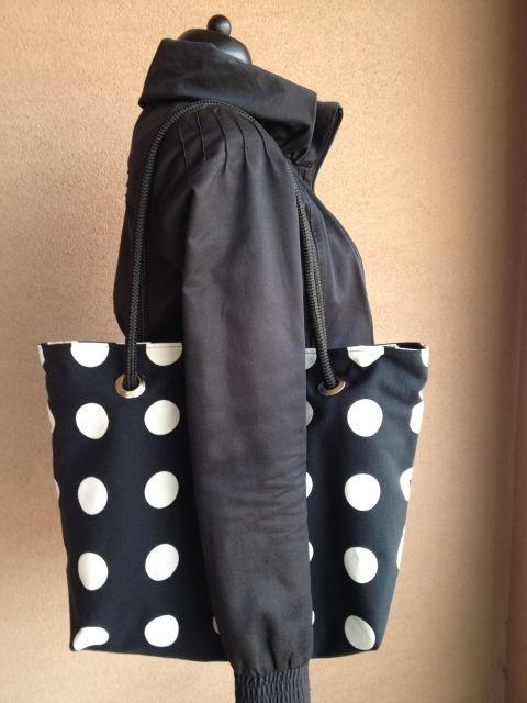 Fekete-fehér pettyes köteles táska, Táska, Válltáska, oldaltáska, Egy kedves vevőm kérésére csináltam ezt a táskát, de 1-2 nap alatt nagyon szívesen újra elk..., Meska