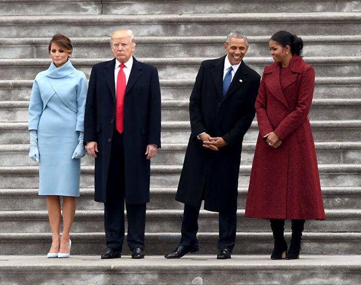 Барак Обама vs Дональд Трамп: сравнение инаугураций РИА Новости Украина: http://rian.com.ua/photolents/20170123/1020773394_1020772867.html