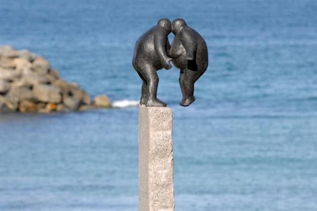 The Kiss- Sculpture by Keld Moseholm
