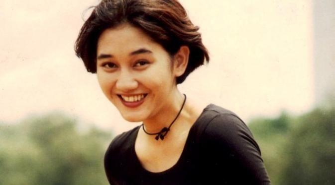 Download Nike Ardilla Sandiwara Cinta 1995 RAR berisi laguMP3 komplit 1 album hanya di https://satualbum.com/nike-ardilla-sandiwara-cinta-1995-rar.html