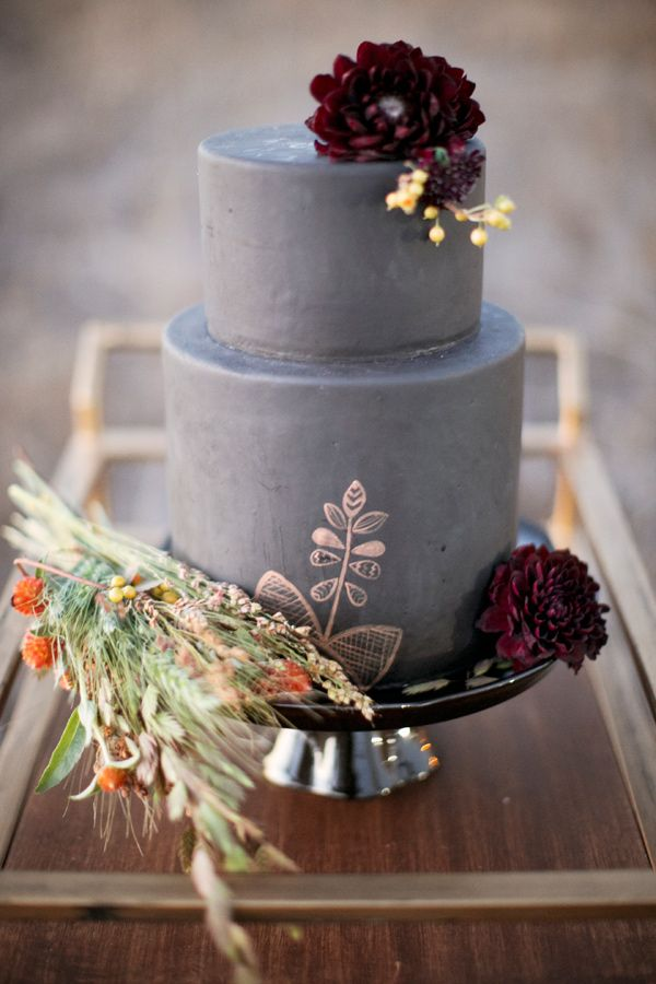 charcoal grey fall wedding cakes with deep red flowers