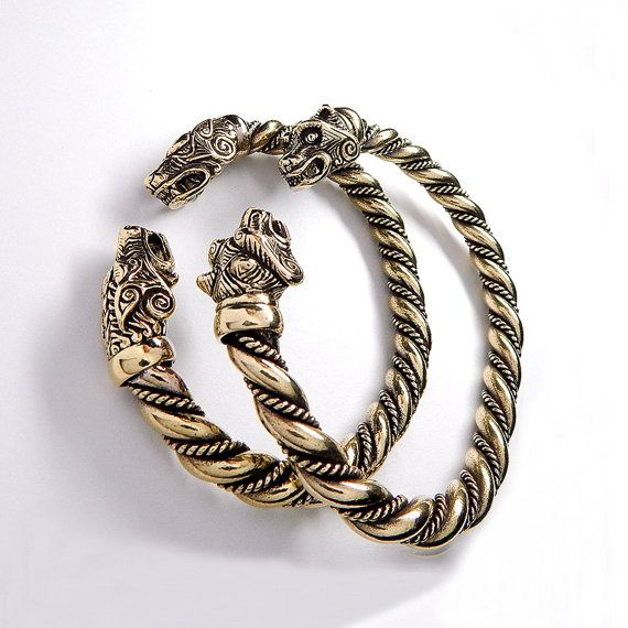 Massive VIKING Bronze WOLF BRACELET. Vikings Jewelry. от RuyaN