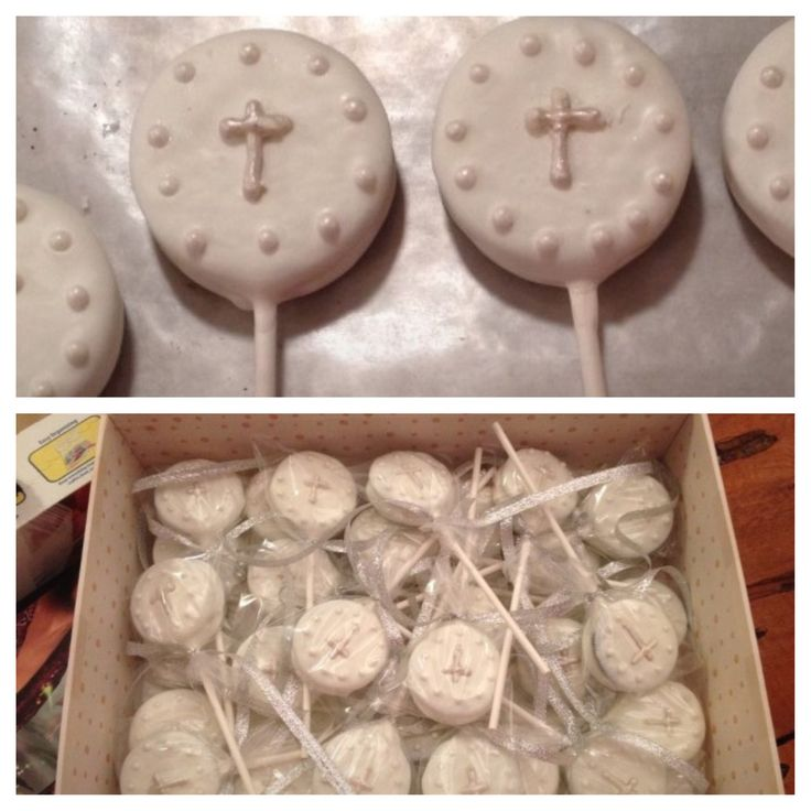 Dipped Oreo first communion favors