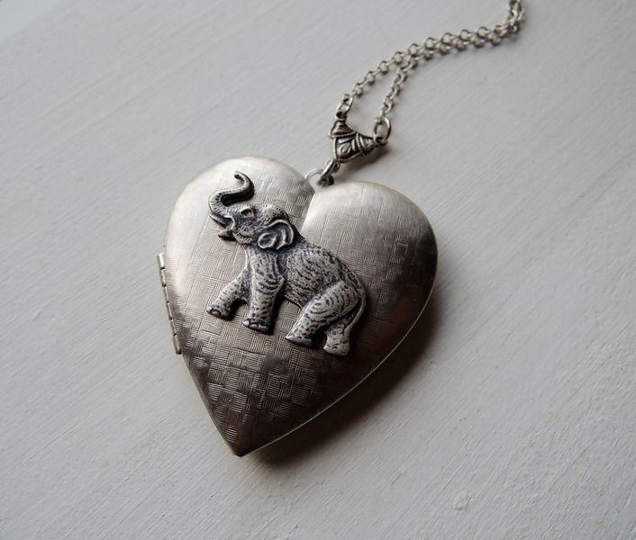 Medaillonketten - Schmuck Foto Elephant Herz Medaillons kette - ein Designerstück von MadamebutterflyMeagan bei DaWanda