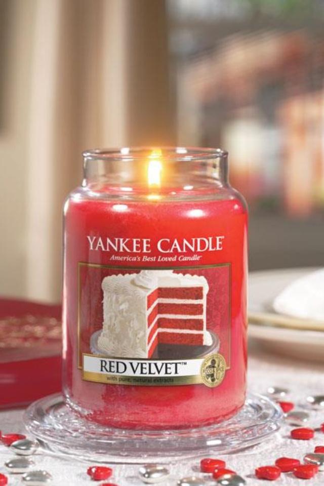 21 best yankee images on pinterest yankee candles ha ha. Black Bedroom Furniture Sets. Home Design Ideas