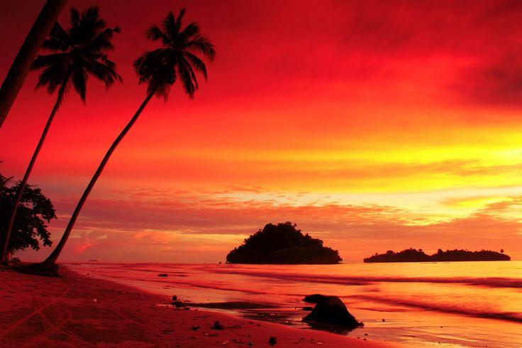 Air Manis Beach by Sγɑʍsµℓ Pµтʀɑ on 500px