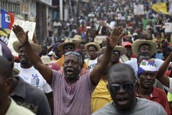 Haitianos Exigen Otra Vez En Las Calles Renuncia De Martelly Y Bajar Precios De La Gasolina