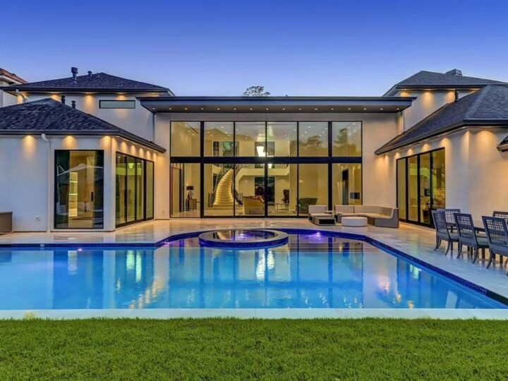 Breathtaking Texas Modern Home In Houston For Sale At 4 9 Million Modern House Residential Design Luxury Homes