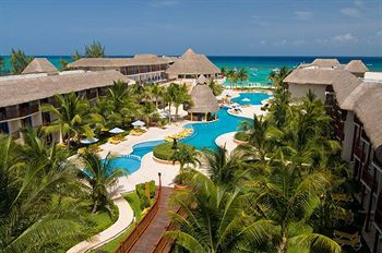 Cheap in town.The Reef Coco Beach Resort - All Inclusive (Playa del Carmen, Mexico) | Expedia