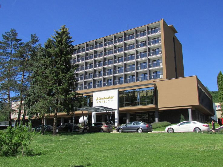 Kongresový hotel Alexander obľubujú Prešovčania a Košičania Luxus hotela Alexander v Bardejovských kúpeľoch láka svoju klientelu