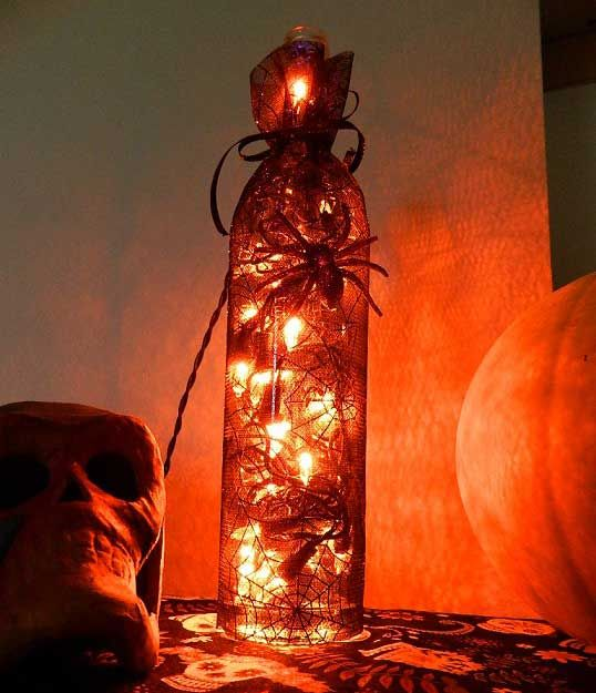 3 DIY Halloween wine bottle decorations | Eco-Snobbery Sucks