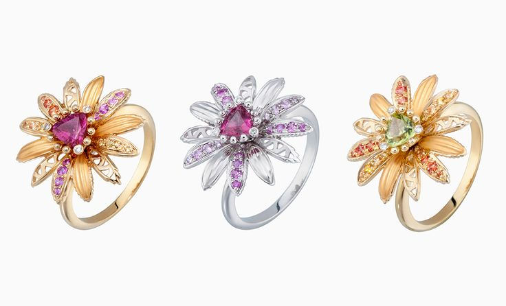 Кольца из розового золота с турмалином, белого золота с турмалином и желтого золота с оливином — и бриллиантами