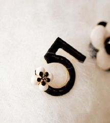 Broš Chanel 5