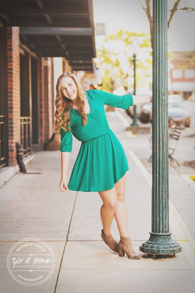 Anneliese Kagerer - Liberty High School - Music - Study Session - Coffee - Coffee Shop - Senior Pics - Senior Photography - Downtown McKinney - Class of 2017 - Fun - Senior Photographer - DFW - Dallas Photographer - Senior Model Reps - Tyler R. Brown Photography