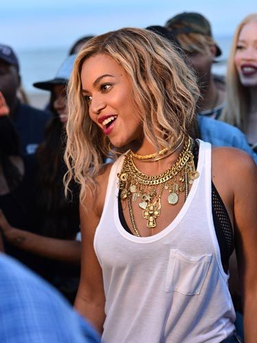Celebrity bob hairstyles to inspire you :: Beyonce. I'm stealing this one since I pinned it for u!! Xx