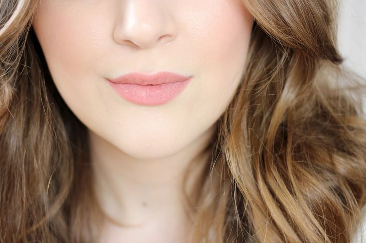 NUXE Reve de Miel offering and the Charlotte Tilbury Lip Cheat in Pink Venus,