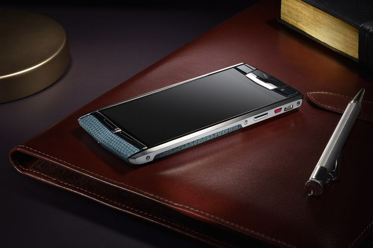 Vertu Signature Touch is having 5.1 Lollipop operating system. The 21MP camera…