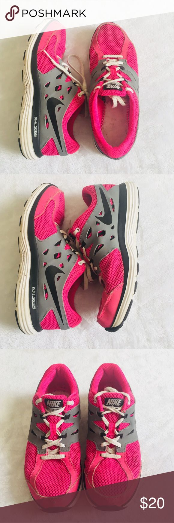 Nike Dual Fusions ✨ Nike dual fusion runners - Everything is intact - Some wear but still great condition - Youth 5.5 fits a womens 7 ✨ Nike Shoes Athletic Shoes