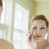 7 slimme tips voor grotere ogen - Beauty - Flair