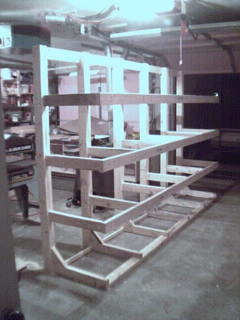 Lumber rack (freestanding): to hold and store long lengths of lumber
