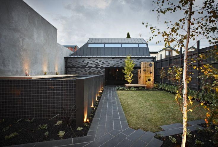 inner courtyard- modern garden